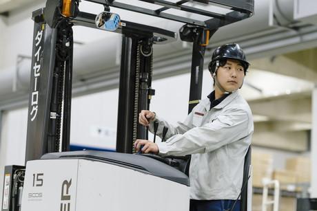 新業務開始に向けオープニング募集第2弾アパレル製品の倉庫管理業務!(未経験歓迎です!)